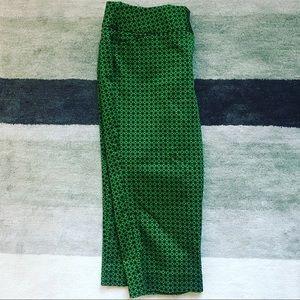 NWOT Worthington Green and Black Capri Pant Size 4